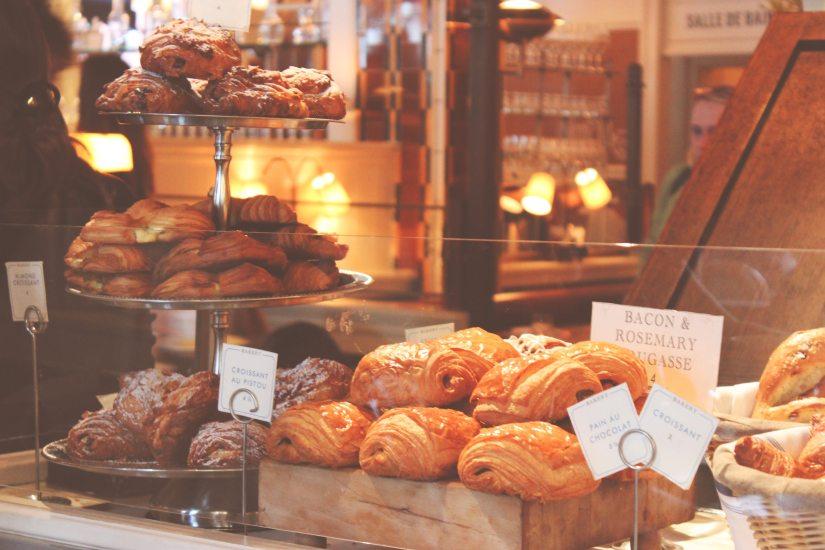 comida-morar-paris-croissant